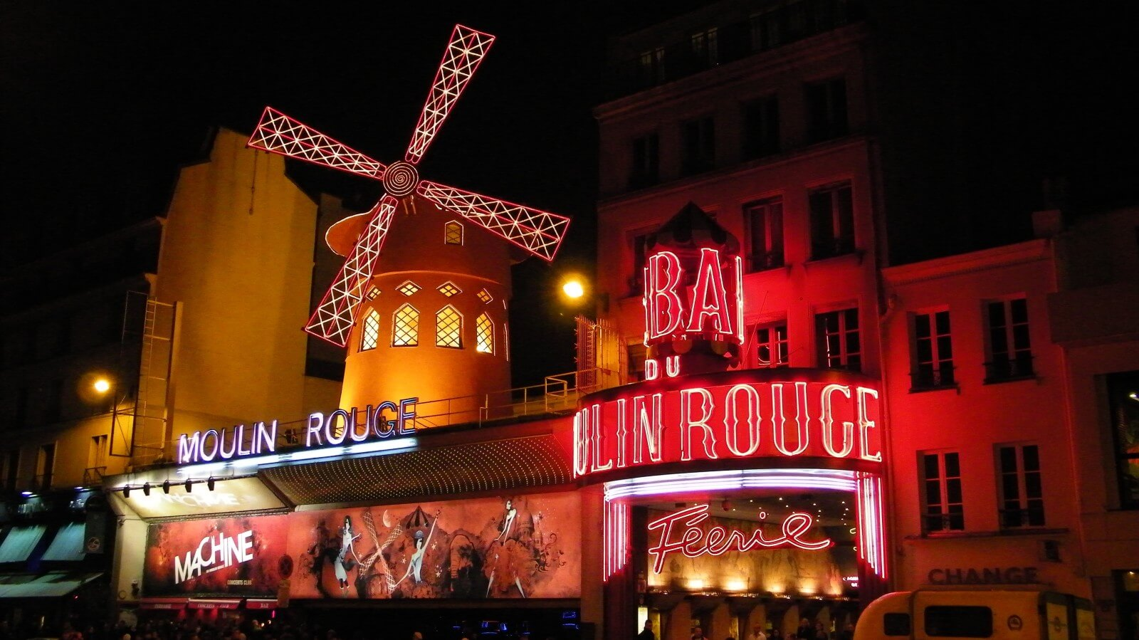bal-du-moulin-rouge-paris